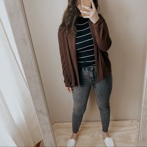 Vintage cozy brown minimal cardigan.